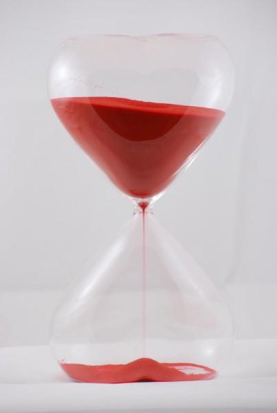 30-Minuten-Sanduhr Herz Herzform rot